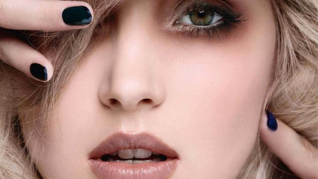 Zadbaj o odpowiedni makijaż. Doradzimy jaki podkład maybelline wybrać, by twarz wyglądała pięknie i zdrowo.