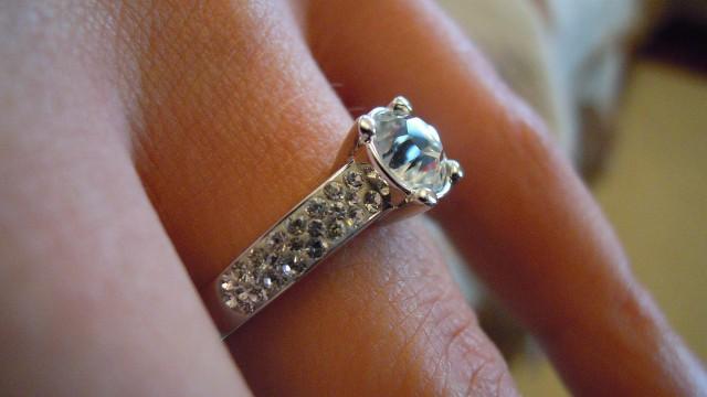 Idealne pierścionki zaręczynowe z brylantami