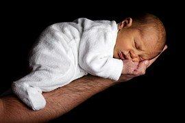 Kiedy stosować emolienty dla niemowląt?