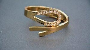 Pierścionek zaręczynowy? Koniecznie ze złota