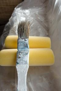 Zabezpieczanie powierzchni metalowych – czyli o farbie antykorozyjnej